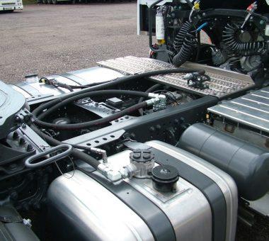 HYVA hidraulikos sistema sumontuota ant vilkiko Mercedes Benz Actros 1845 EURO 6